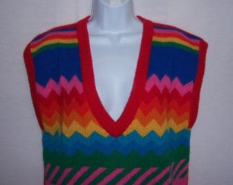 Vintage De Rotchild Red Rainbow Blue Green Pink Yellow Zig Zag Pattern Knit Wool Sweater Vest Medium Large