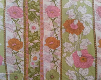 Twin Size Vintage Floral Fitted Sheet With Blue Elastic Panel Corners