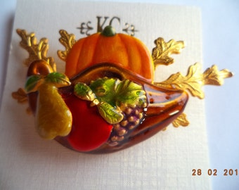 Vintage Signed KC Fabulous Goldtone Harvest Scene Brooch/Pin