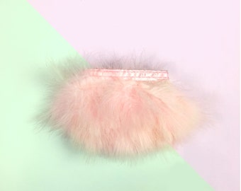 Pink fluffy feathers / sold by 30 cm Strip