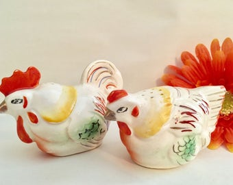 Vintage Rooster And Hen Salt And Pepper Shakers, Collectible 1950s Made In Occupied Japan/Shaker Enthusiast/Gift Idea/Farmhouse Decor