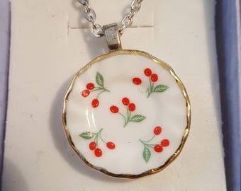 Miniature plate necklace