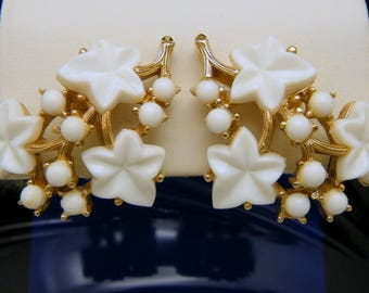 Crown Trifari Vintage Earrings White Leaf Lucite Berry Gold Tone