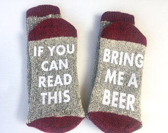 Beer socks, Groomsmen gift, funny socks, If you can read this bring me a beer, Gift for him, Wine socks, gift for dad, Wedding party gift