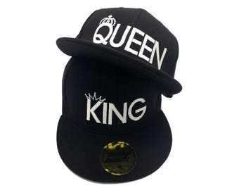 Awesome King & Queen snapback summer caps, hats for couples, lovers and friends. These hats are embroidered in white color. High quality.