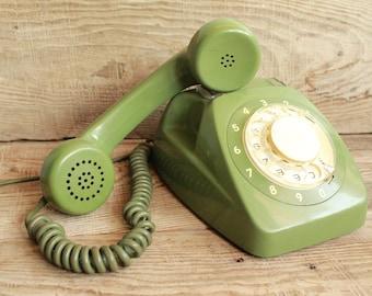 rotary phone Vintage rotary phone / retro phone  / circle dial rotary telephone / vintage landline phone / Old Dial Desk Phone