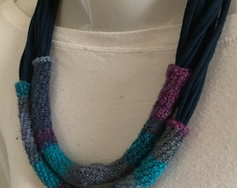 Two-wire Ribbon Choker and wool