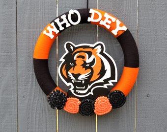 Cincinnati Bengals Wreath // Yarn Wreaths // NFL Football Decor // Gift For Her // Gift for Fan // Home Decor // 14 inch