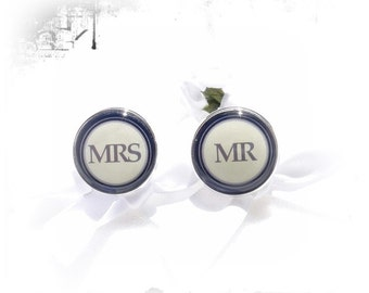 Cufflinks Mrs and Mr.
