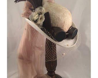 STEAMPUNK WHITE DERBY Felt Top Hat, Steampunk Shop,  Steampunk Accesories, Antique, Clock Parts, Ostrich Feathers, Goggles