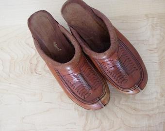 Vintage Women's Brown Leather Boho Clogs - Size 6