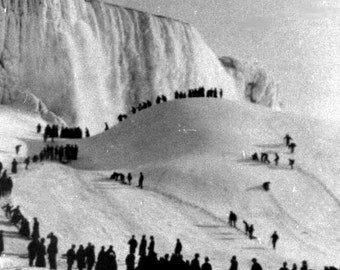 Frozen Niagara Falls, New York, Canada, 1911