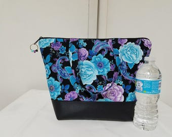 Insulated Lunch Bag,Vinyl Bottom,Floral,Flowers,Blue,Purple,Nylon Liner with Inner Zipper Pocket,Washable,Work Lunch Bag,School Lunch Bag.