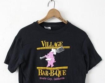MEDIUM Vintage 1980s Village Bar-B-Que Studio City, California Graphic T-Shirt