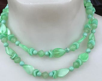 1960s pale green double stranded beaded ladies necklace