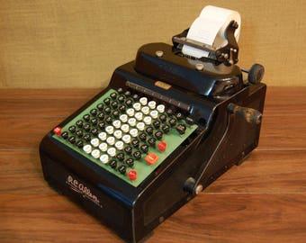 Vintage RC Allen Figuring Machine, adding machine, 1930's vintage adding machine, excellent condition, in full working order, prints well