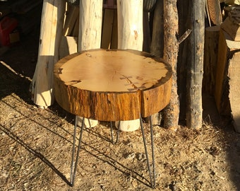 Blue stained pine round table / w hair pin legs