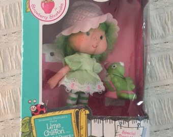 Vintage Strawberry Shortcake, Lime Chiffon and Pet, 1982 | Shortcake Friend | American Greeting Corp