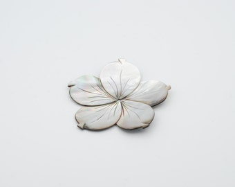 65mm White Flower shape Mother of Pearl