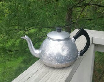 Aluminum Kettle Teapot with Curved Black Handle