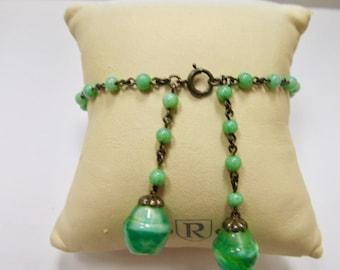 Vintage Green Glass Beaded Bracelet Item W # 100