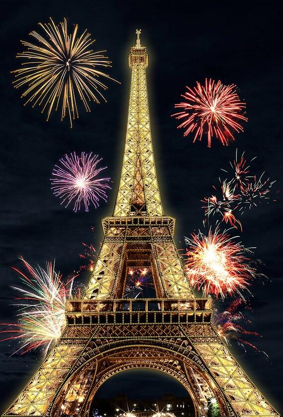 La Tour Eiffel Tower DIY beaded embroidery kit, beading on needlepoint kit, housewarming gift Idea, DIY beading kit