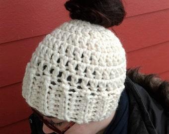 Crochet Messy Bun Ponytail Hat // Crochet Bun Ponytail Beanie // Running Hat // Sister Friend Gift // Cream