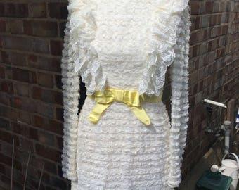 Authentic vintage cream lace wedding/party dress