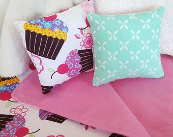 18 inch doll bedding set | cupcake blanket and pillows