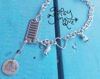 """Jeep """"Be Fierce"""" Chain necklace"""