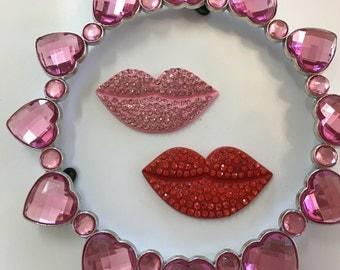 Crystal Lips Needle Minder