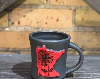 MN Mug, daisy w/ custom color