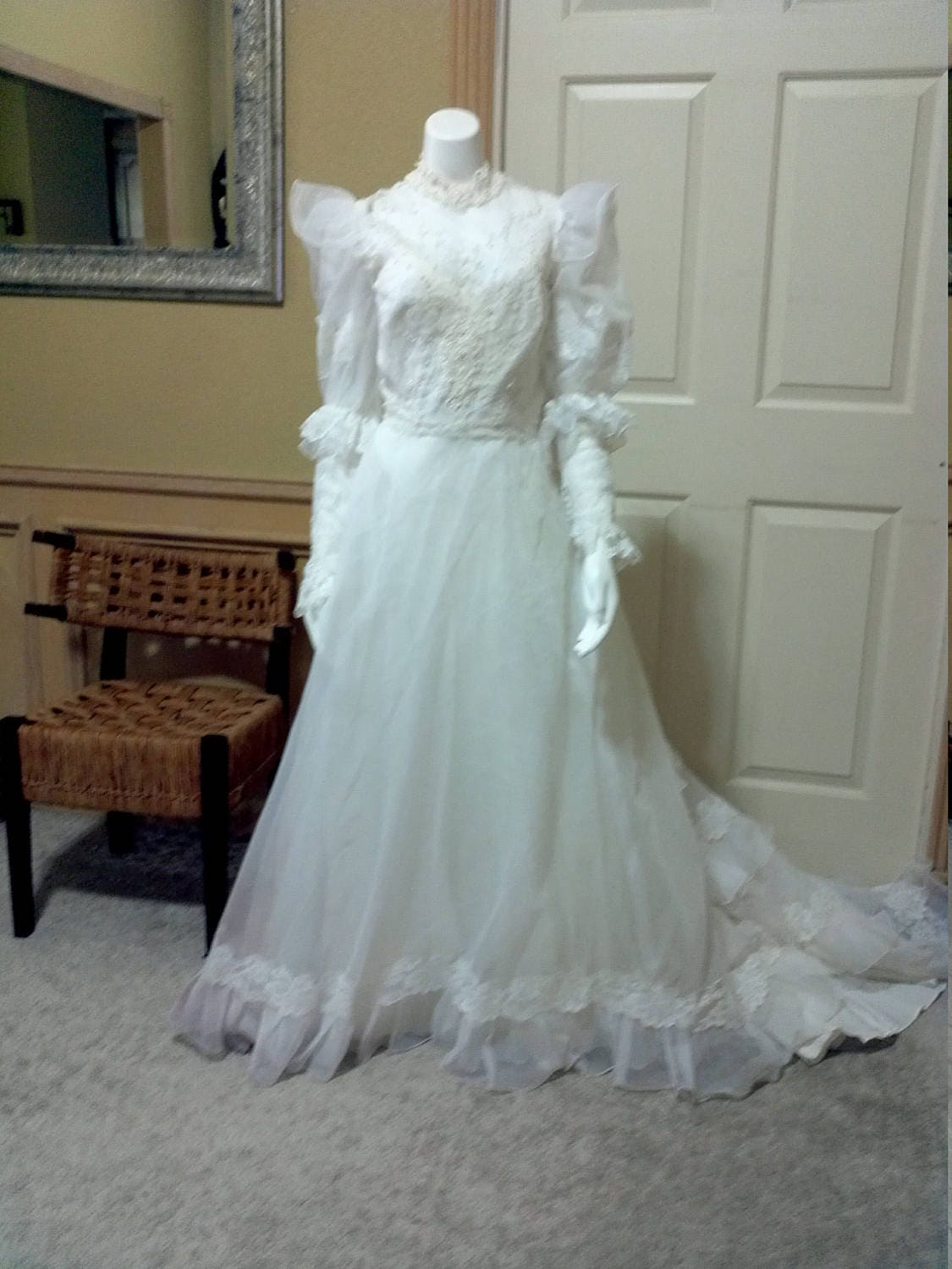 60s Wedding Dress Simple Elegance White Organza &French Lace