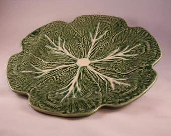 Majolica green cabbage leaf plate