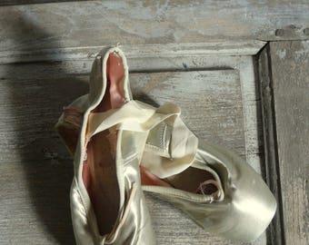 vintage silver-green pointe ballet shoes dance costume