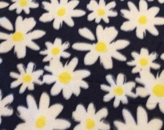 Fleece Knot Blanket, Daisy print Navy with Yellow backing, Medium