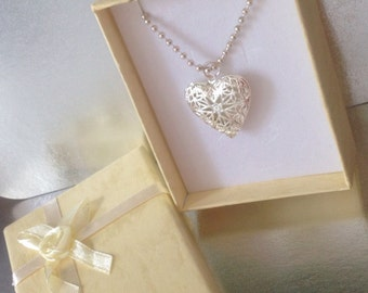 Solid Perfume Heart Pendent Necklace