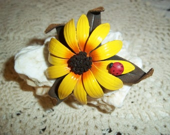 Brown Eye Susan Flower Leather Brooch with Lady Bug  Vintage 1980's Summertime Attire Collectible Brooch