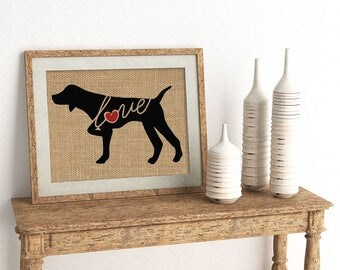 German Shorthaired Pointer / Pointing - Burlap Dog Breed Wall Art Decor Print - Gift for Dog Lovers - Can Be Personalized w/ Name (101sp)