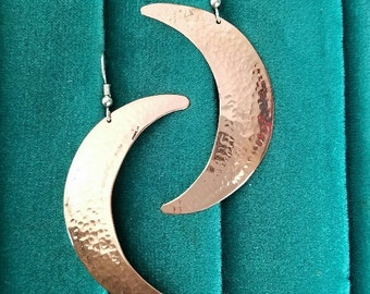 Hammered copper moon earrings
