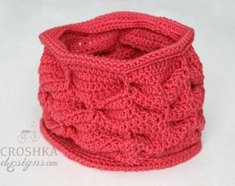 Merino wool crochet woman cowl, crochet scarf, merino wool scarf, winter scarf, winter fashion, pink cowl, made to order