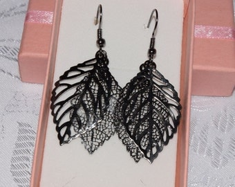 Black Leaf Earrings,  Delicate Black  Earrings, Long Dangle Leaves Earrings, Filigree leaf earrings, leaves earrings