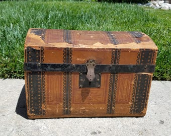 1880's to 1890's Antique Toy Doll Sample Trunk Victorian