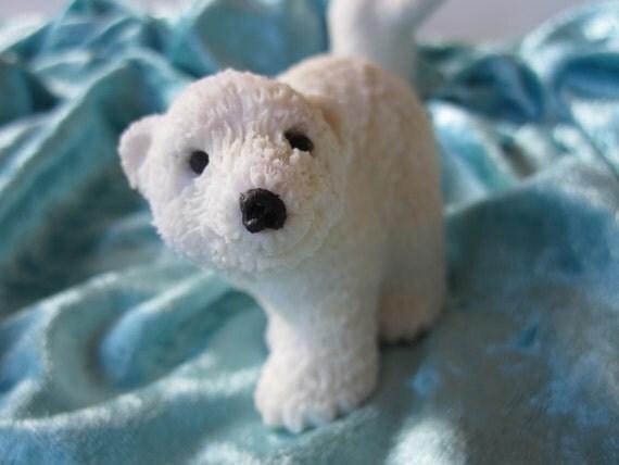 Porcelain white BEAR cold saeljana. Christmas and winter decoration. 4 models. D