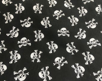 Polycotton Fabric - White or Red Skull & Crossbones on Black Background  -  Material Metre - Width (cm): 112 x 100 cm - Price per metre