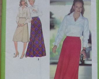 Vintage sewing pattern.Simplicity 8977. Skirt pattern Size 20,waist 87cm . Ff Unused