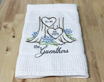 Personalized Couples Tree Carving Towel | Embroidered Kitchen - Tea - Hand Towel | Wedding  Shower - Engagement - Anniversary - Hostess Gift