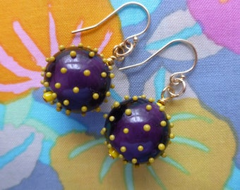 Polka Dot Earrings, Eggplant and Mustard, Whimsical Glass Bead Dangles, Gift for Her, BuliGlassBeads, Northernblooms, Boucles d'Oreilles