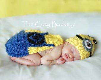 Newborn Minion Cape & Hat Set, Baby Hat, Minion Hat, Newborn Photography Prop, Baby Beanie, Character Hat, crochet baby hat