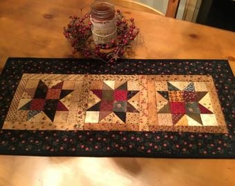 Quilted Table Runner / Country Decor / Primitive Decor / Handmade / Item #2057